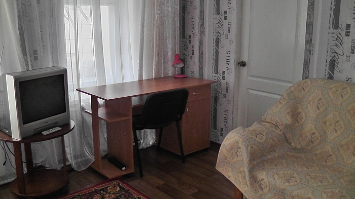 2-комнатная квартира посуточно в Одессе. Малиновский район, площадь Михайловская, 7А. Фото 1