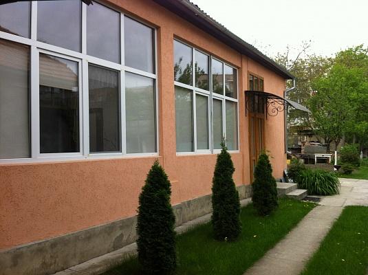3-комнатная квартира посуточно в Берегово. ул. Шевченко, 31. Фото 1