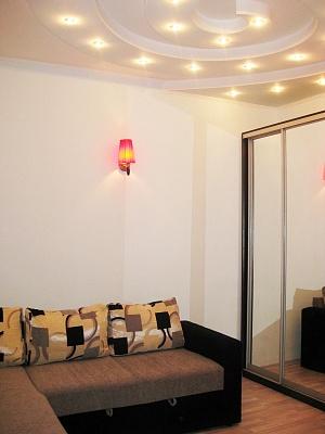 2-комнатная квартира посуточно в Одессе. Приморский район, ул. Утёсова, 8. Фото 1