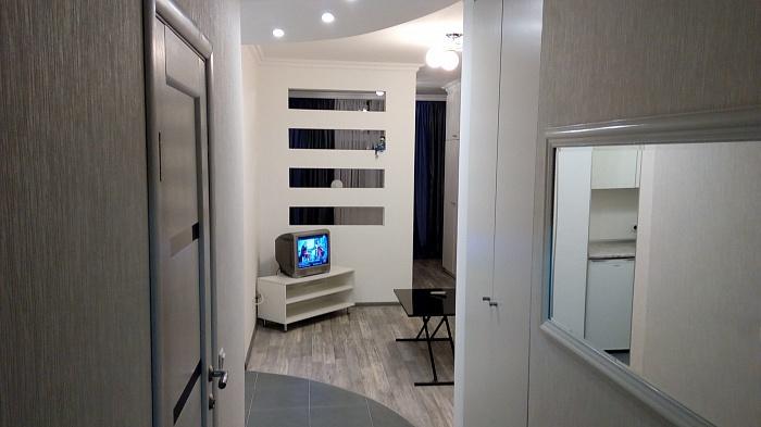 1-комнатная квартира посуточно в Киеве. Дарницкий район, ул. Драгоманова, 40 З. Фото 1