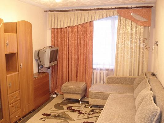 2-комнатная квартира посуточно в Кременчуге. пер. Гвардейский, 7. Фото 1