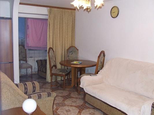 3-комнатная квартира посуточно в Ужгороде. ул. Одесская, 33а. Фото 1