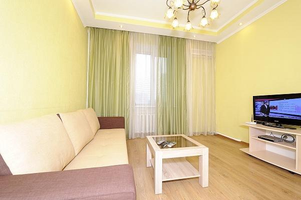 2-комнатная квартира посуточно в Киеве. Печерский район, ул. Бассейная, 17. Фото 1