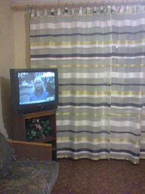 1-комнатная квартира посуточно в Днепродзержинске. ул. Дружбы Народов, 39. Фото 1