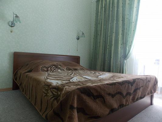 2-комнатная квартира посуточно в Бердянске. ул. Победы, 1. Фото 1