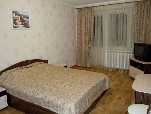 4-комнатная квартира посуточно в Полтаве. Октябрьский район, ул. Котляревского, 24. Фото 1