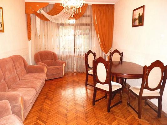 3-комнатная квартира посуточно в Харькове. Дзержинский район, пр-т Ленина, 13. Фото 1