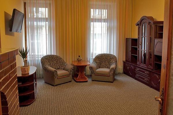 2-комнатная квартира посуточно в Львове. Галицкий район, ул. Курбаса, 9. Фото 1