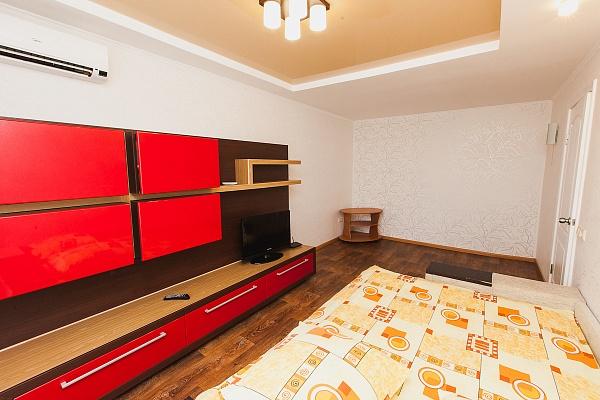 1-комнатная квартира посуточно в Северодонецке. ул. Гагарина, 54. Фото 1