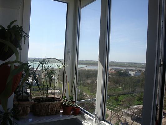 2-комнатная квартира посуточно в Евпатории. ул. Полупанова, 42. Фото 1