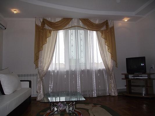 2-комнатная квартира посуточно в Трускавце. ул. Стебницкая, 64. Фото 1