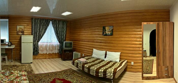 1-комнатная квартира посуточно в Ровно. ул. Замковая, 10. Фото 1