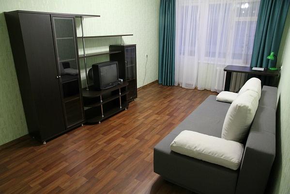 1-комнатная квартира посуточно в Сумах. Заречный район, ул. Кирова, 183. Фото 1