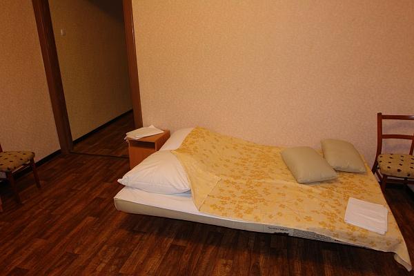 2-комнатная квартира посуточно в Евпатории. ул. Володарского, 13. Фото 1