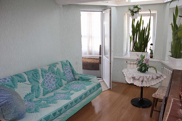 Дом  посуточно в Бердянске. ул. Ульяновых, 11. Фото 1
