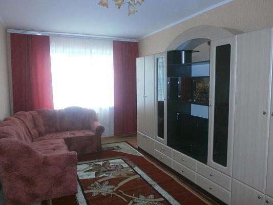 1-комнатная квартира посуточно в Нежине. ул. Независимости, 42а. Фото 1