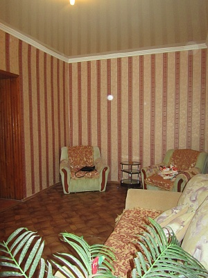 2-комнатная квартира посуточно в Одессе. Приморский район, ул. Чайковского, 12. Фото 1