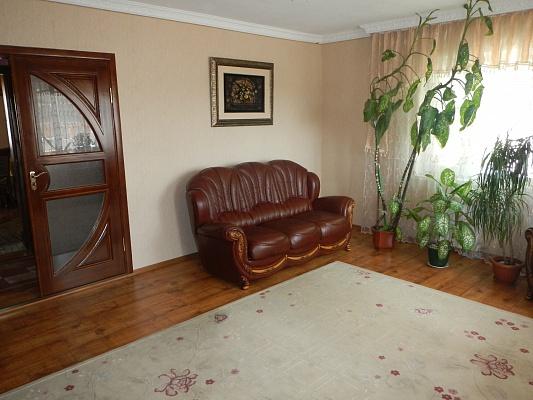 3-комнатная квартира посуточно в Умани. ул. Советская, 28-б. Фото 1