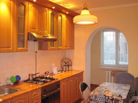 2-комнатная квартира посуточно в Ровно. ул. Грушевского, 40. Фото 1