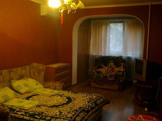 2-комнатная квартира посуточно в Алуште. ул. Ялтинская, 15. Фото 1