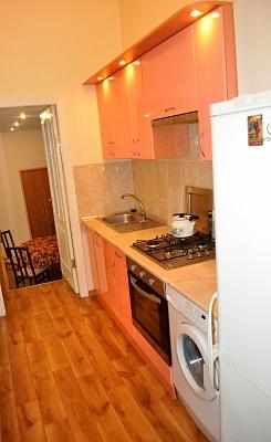 2-комнатная квартира посуточно в Одессе. Приморский район, юрия олеши, 13. Фото 1