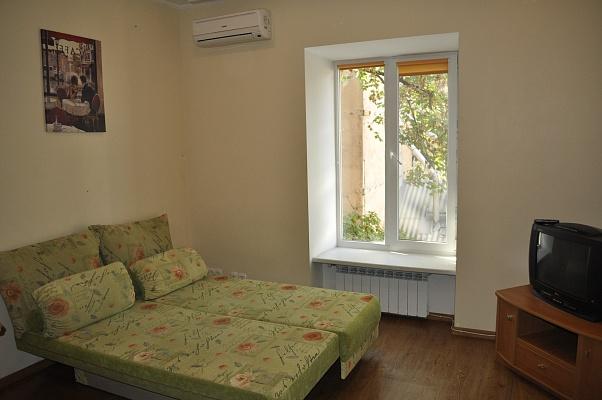 2-комнатная квартира посуточно в Одессе. Приморский район, ул. Юрия Олеши, 13. Фото 1