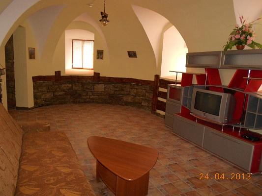 1-комнатная квартира посуточно в Каменце-Подольском. ул. Зарванская, 5. Фото 1