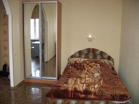 1-комнатная квартира посуточно в Черкассах. ул. Благовестная, 156/58. Фото 1