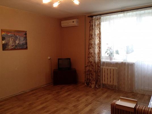 1-комнатная квартира посуточно в Евпатории. пр-т Ленина, 54. Фото 1