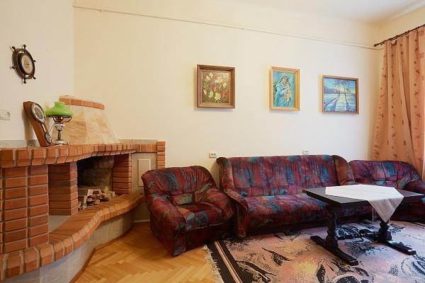 2-комнатная квартира посуточно в Львове. Зализнычный район, ул. Марка Вовчка, 20. Фото 1