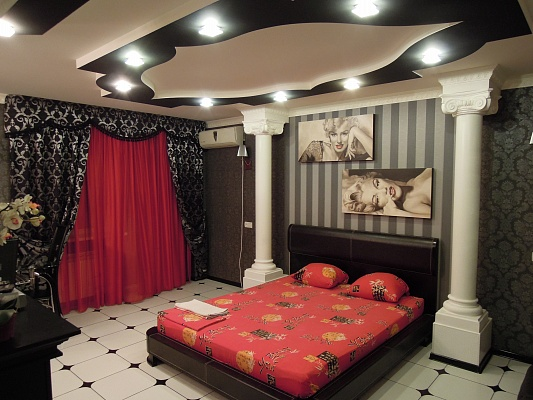 1-комнатная квартира посуточно в Симферополе. Железнодорожный район, ул. Гагарина, 16. Фото 1