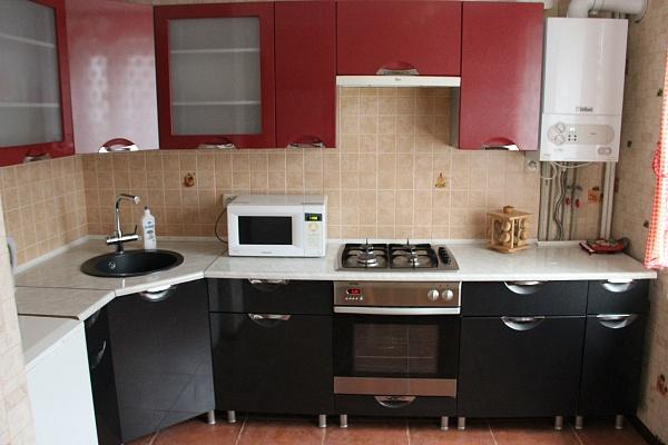 1-комнатная квартира посуточно в Днепропетровске. Амур-Нижнеднепровский район, ул. Калиновая, 26. Фото 1