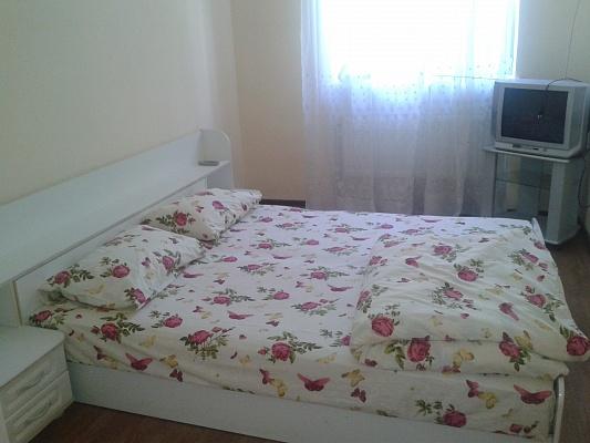 1-комнатная квартира посуточно в Симферополе. Киевский район, ул. Македонского, 12. Фото 1