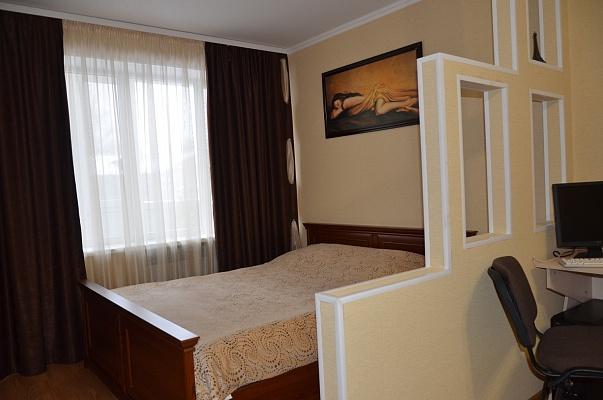1-комнатная квартира посуточно в Николаеве. Центральный район, ул. Адмирала Макарова, 56. Фото 1