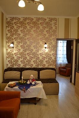 1-комнатная квартира посуточно в Одессе. Киевский район, ул. Бригадная, 29а. Фото 1