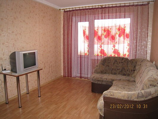 1-комнатная квартира посуточно в Симферополе. Киевский район, ул. Лермонтова, 16. Фото 1