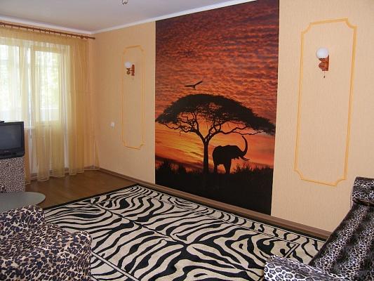 1-комнатная квартира посуточно в Мариуполе. пр.Строителей, 70. Фото 1