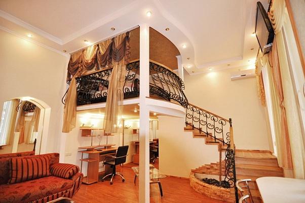 1-комнатная квартира посуточно в Феодосии. ул. Украинская, 5. Фото 1