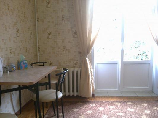 2-комнатная квартира посуточно в Краматорске. ул. Шкадинова, 51. Фото 1