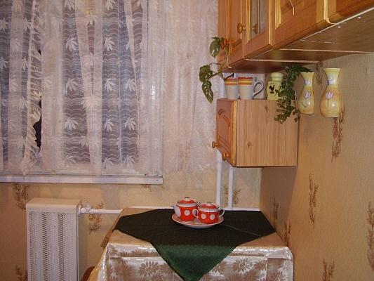 1-комнатная квартира посуточно в Черкассах. ул. Дашкевича, 28. Фото 1