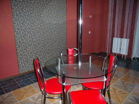 1-комнатная квартира посуточно в Черкассах. ул. Героев Днепра, 89. Фото 1