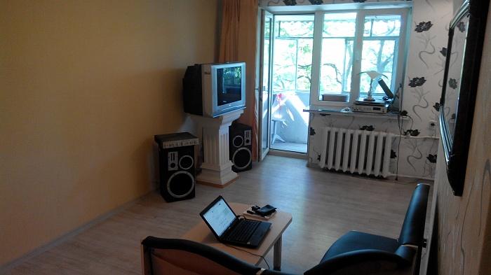 1-комнатная квартира посуточно в Днепропетровске. Красногвардейский район, Леваневского, 10. Фото 1