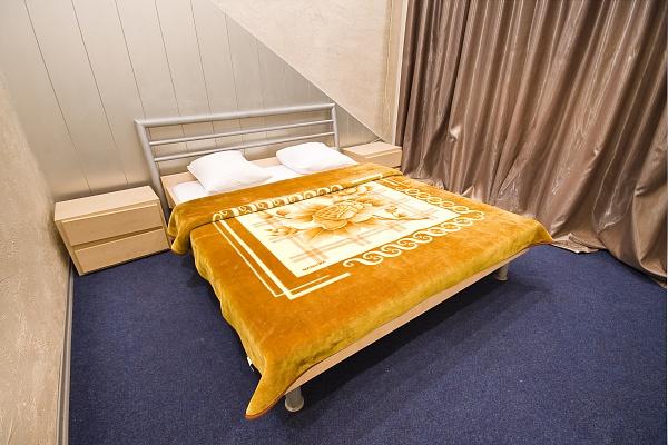 4-комнатная квартира посуточно в Днепропетровске. Бабушкинский район, ул. Ликбнехта, 15а. Фото 1