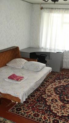 1-комнатная квартира посуточно в Полтаве. Киевский район, ул. Ватутина, 30/32. Фото 1