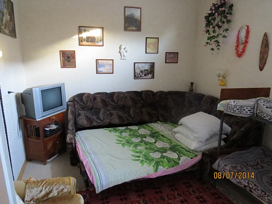 Дом  посуточно в Евпатории. пер. Театральный, 5. Фото 1