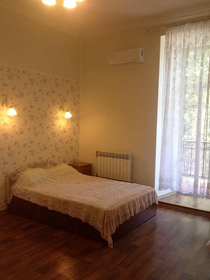 1-комнатная квартира посуточно в Одессе. Приморский район, ул. Успенская, 72. Фото 1