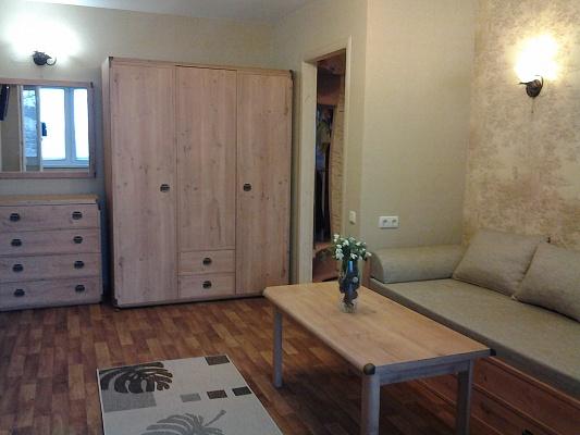 2-комнатная квартира посуточно в Новом свете. ул. Льва Голицына, 36. Фото 1