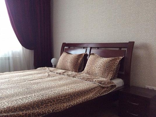 2-комнатная квартира посуточно в Киеве. Дарницкий район, пр-т Григоренко, 12. Фото 1