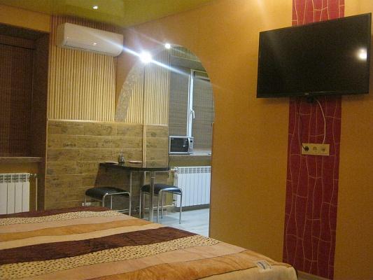 1-комнатная квартира посуточно в Житомире. ул. Киевская, 66. Фото 1