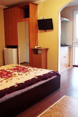 1-комнатная квартира посуточно в Ялте. ул. Матросская, 10. Фото 1